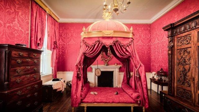 Bolling Hall pink bedroom - Wallpaperflare - Edited