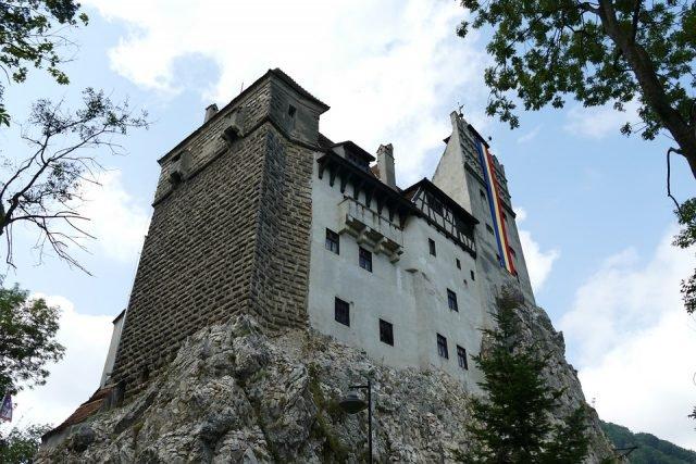 Bran Castle 1 - falco via Pixabay