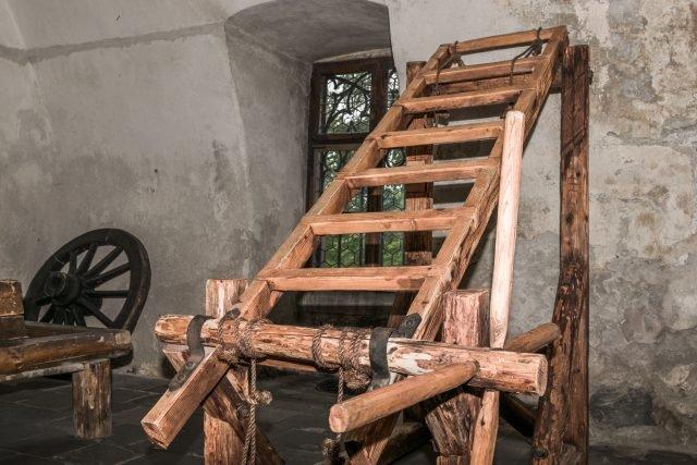 Chillingham torture chamber - Jaroslav Girovsky via Shutterstock.com