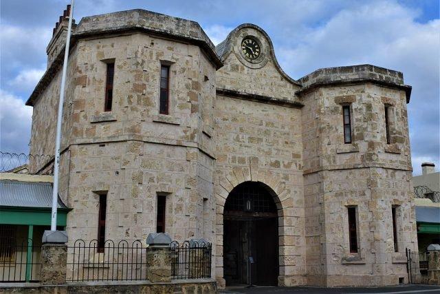Fremantle Prison - RitaCraveiro via commons.wikimedia CC BY-SA 4.0