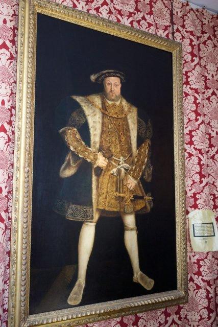 Hampton Court haunted gallery - Paul Hudson via flicr CC BY-2.0