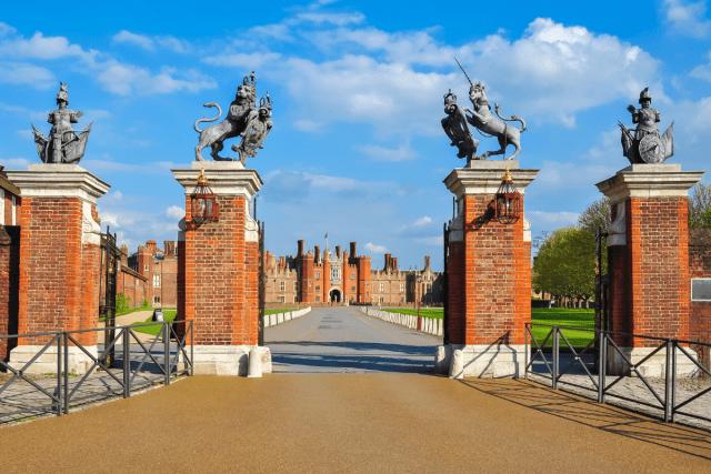 Hampton Court - mistervlad 2 via canva