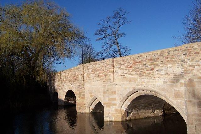 Nun's Bridge - Tim Fryer via geograph.org.uk CC BY-SA 2.0