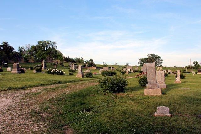Stull Cemetery - Ayleen Gaspar via commons.wikimedia CC-BY 2.0