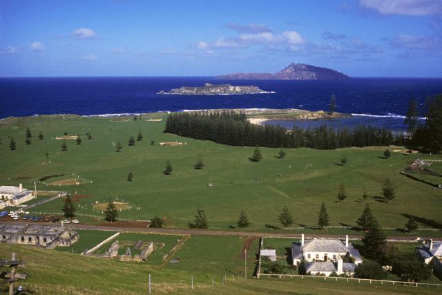 Tourism Australia via canva (1)