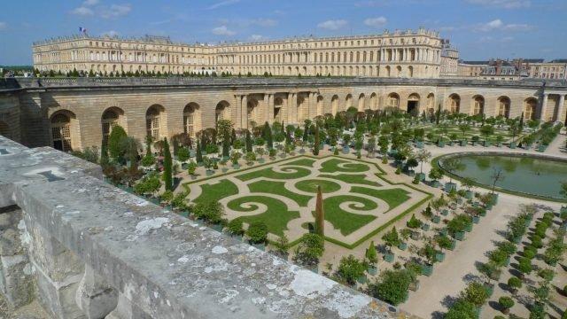 Versailles - aitoff via pixabay