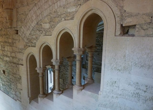 Woodchester Mansion grand stairwell - Rob-Farrow via Geograph.org.uk CC BY-SA-2.0