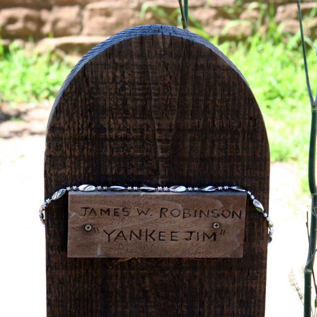 Yankee Jim's grave - Leo Reynolds via flickr CC BY-SA-NC-2.0